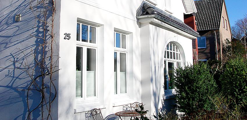 Fassaden streichen, Wärmedämmverbundsystem